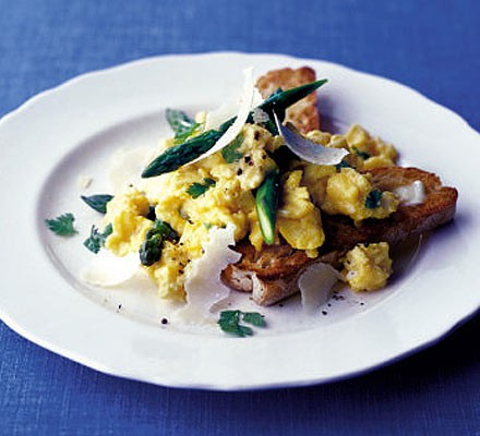 Soft herb scrambled egg with asparagus