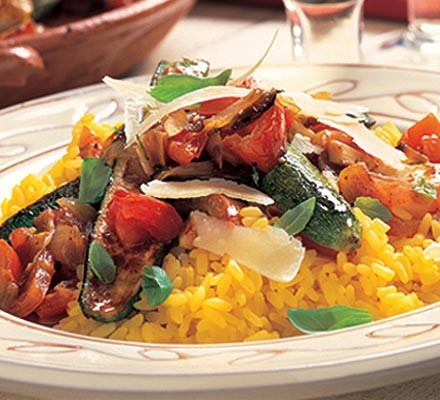 Spicy courgettes with saffron risotto