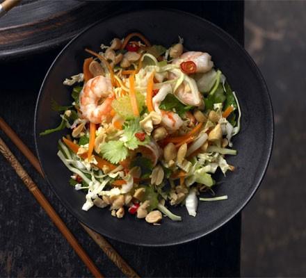 Crunchy Asian cabbage & prawn salad