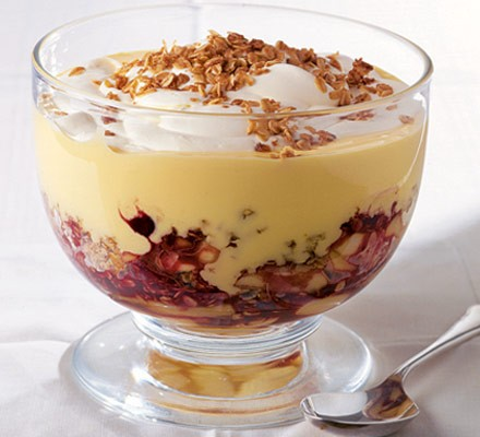 Apple flapjack trifle