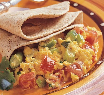 Spicy scrambled eggs with chapatis