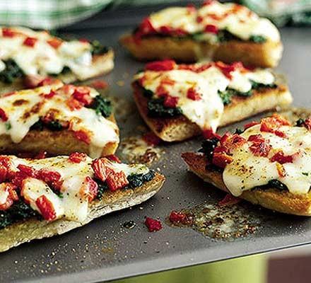 Red pepper, mozzarella & spinach melts