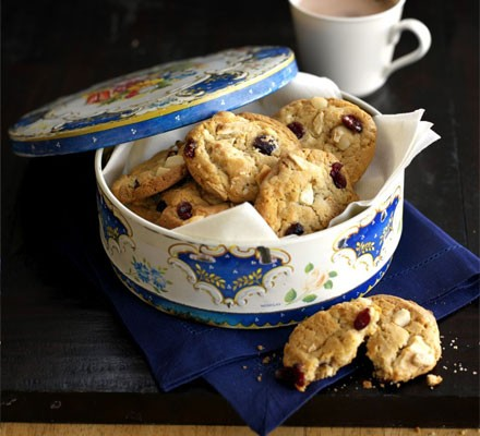 Macadamia & cranberry American cookies