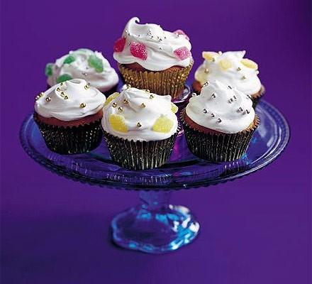 Snow-capped fairy cakes