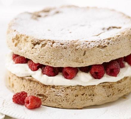 Hazelnut & Baileys meringue cake