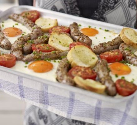 Honey mustard sausages with tomatoes & eggs