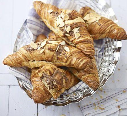 Chocolate & almond croissants_image