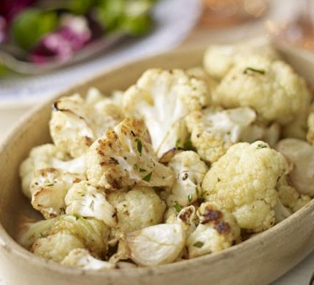 Roasted cauliflower with garlic, bay & lemon