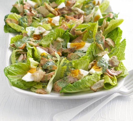 Grilled salmon salad with watercress yogurt dressing