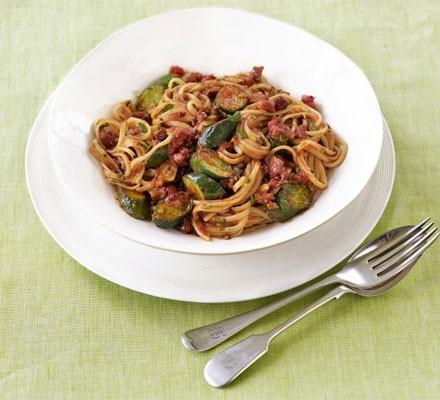 Courgette & tomato linguine