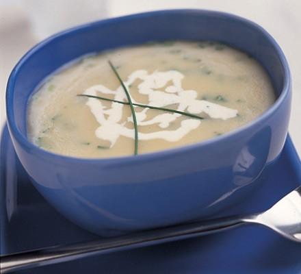 Jerusalem artichoke & horseradish soup