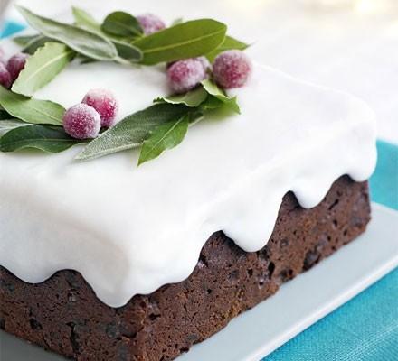 Easy wreath cake