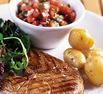 Sizzled lamb with Mexican salsa