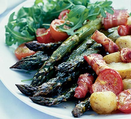 Warm roast asparagus salad