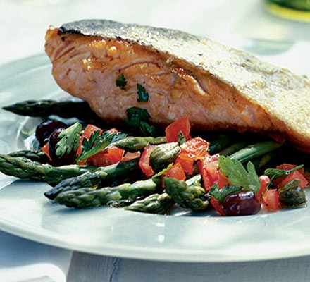 Crisp-skin fish with asparagus
