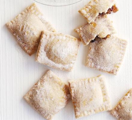 Sugar-dusted mince pie parcels