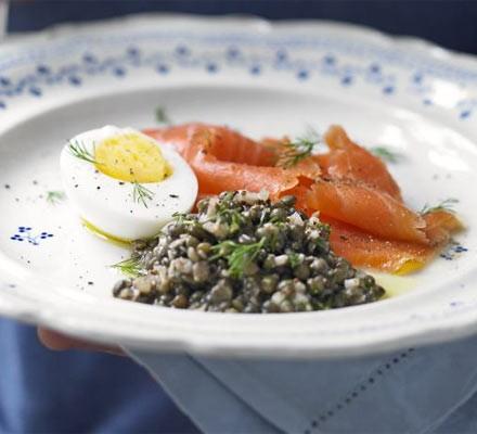 Smoked salmon with lentil salad