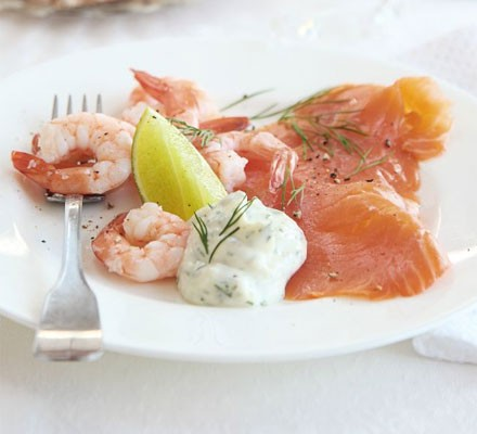 Salmon & prawns with dill & lime aïoli