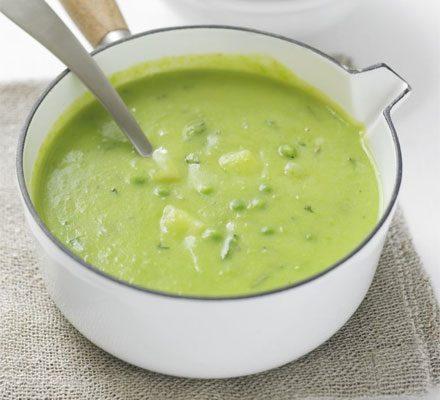 Minty pea & potato soup image