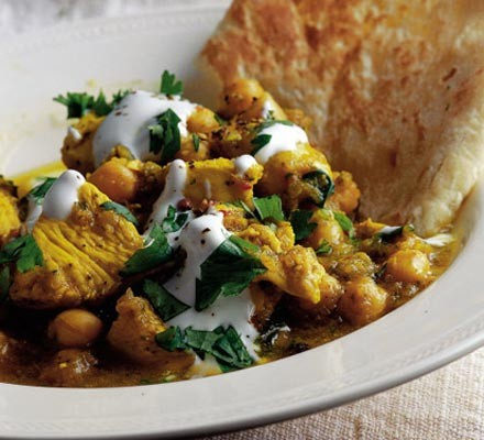 Fragrant chicken curry with chick peas