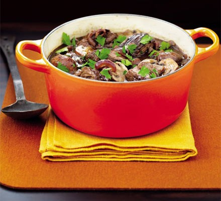 Braised beef with red onions & wild mushrooms