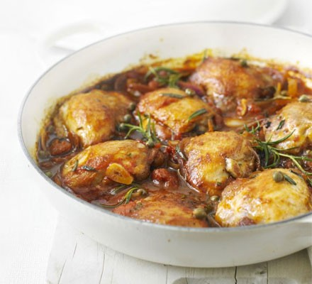 Rosemary chicken with tomato sauce