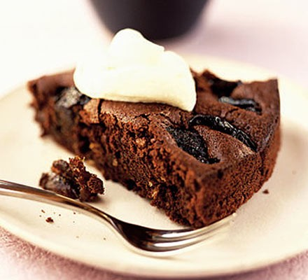 Prune & chocolate torte