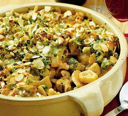 Chicken & broccoli pasta bake image