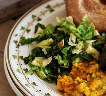 Stir-fried Savoy cabbage