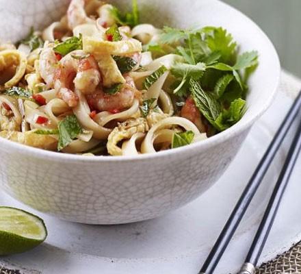 Spicy Thai prawn noodles