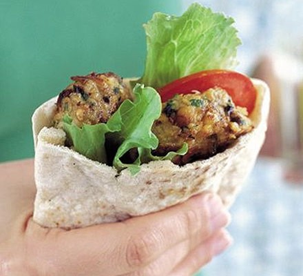 Falafels with salad in pitta