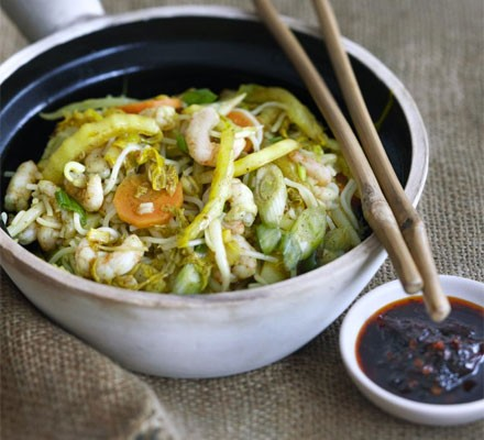 Singapore Noodles With Shrimps Chinese Cabbage Recipe Bbc Good Food