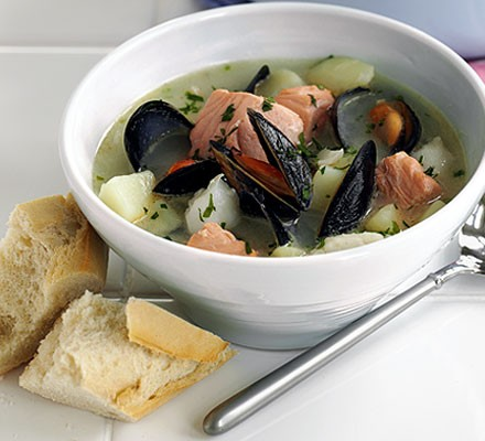 Creamy fish & mussel soup