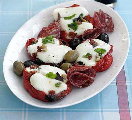 Mozzarella peppers with chunky Italian dressing