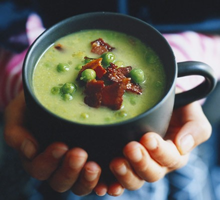 Witches' brew (Pea & bacon chowder)