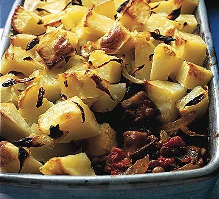 Curried aubergine & potato pie