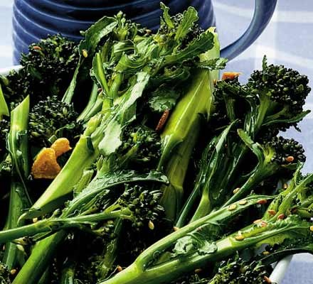 Purple sprouting broccoli with garlic & sesame