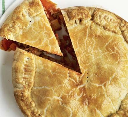 Tuna empanada pie