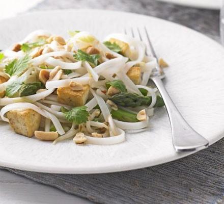 Tofu & asparagus pad Thai