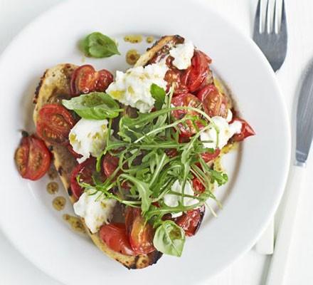 Roasted tomato, mozzarella & rocket
