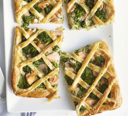 Salmon & broccoli lattice tart