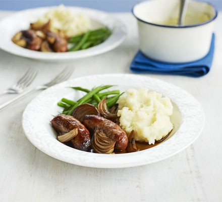 Sausages with quick onion gravy