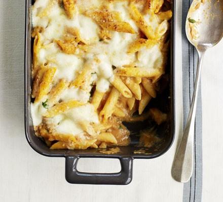 Tomato & mascarpone pasta bake