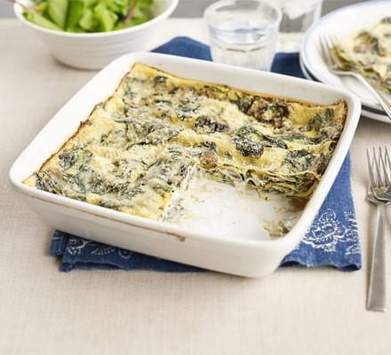 Quick mushroom & spinach lasagne