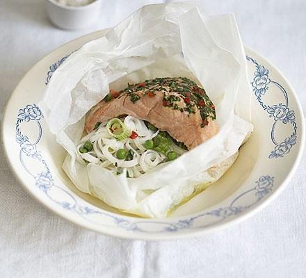 Salmon noodle wraps