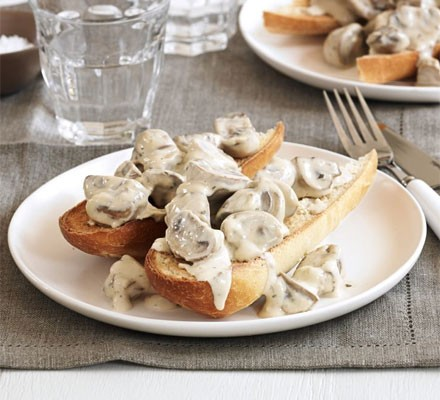 Garlic mushrooms on toast