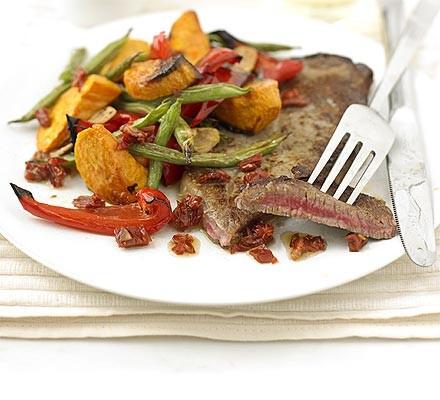 Steak & roast vegetables with sundried tomato dressing
