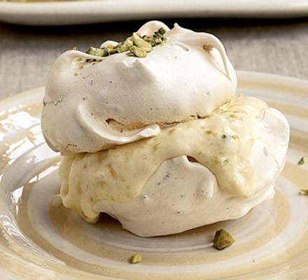 Pistachio meringues with mango & mandarin ice cream
