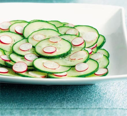 Crunchy cucumber & radish salad