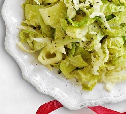 Cider-braised cabbage & leek hotpot